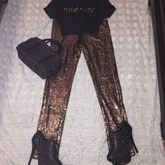 """Feeling Myself Top Size Large """"Feeling Myself """" Top Size Large ties in front has gold lettering in front of top. Very cute to pair with legging like in the picture and your favorite pair of heels. Tops Crop Tops"""