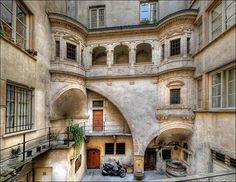 Lyon - La galerie Philibert de l'Orme Lyon City, Lyon France, Sites Touristiques, French Beauty, Rhone, Best Cities, France Travel, Verona, Places To See