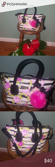 """BETSEY JOHHNSON. CUTE PURSE 13.5"""" W X 11""""H  includes 5 deep never used :) Betsey Johnson Bags"""