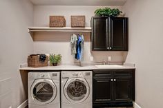 Top 40 Small Laundry Room Ideas and Designs 2018 Small laundry room ideas Laundry room decor Laundry room storage Laundry room shelves Small laundry room makeover Laundry closet ideas And Dryer Store Toilet Saving Laundry Room Remodel, Laundry Room Cabinets, Basement Laundry, Small Laundry Rooms, Laundry Room Organization, Laundry Room Design, Laundry In Bathroom, Diy Cabinets, Black Cabinets