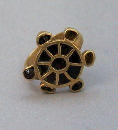 Merovingian garnet and gold ring, 5th century Hungary