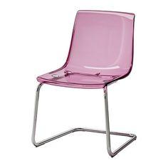 TOBIAS Scaun IKEA Şezutul şi spătarul flexibile asigură o poziţie confortabilă.