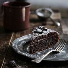 .. Tag someone who'd like this tempting chocolate cake!      #coffeeandchocolateplease #instagood #chocolatelover #foodstagram #foodlover #chocolateoverload #chocolateaddict #foodie #praline #cravings #yum #desserts #bestdesserts #brownies #chocolate #follow #food #imfoodcrazy #nofoodnolifeeee #foodporn #yummy #ilovechocolate #filling #dessertgoals # #ilovefood #foodcraving #cookies #coffee - Just published this on Instagram http://ift.tt/1T4fHzc