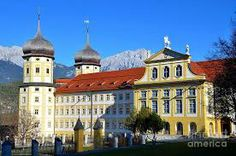 Are you looking for a hidden gem to visit in Europe? Check out the best cities to visit in Austria and enjoy your trip. Visit Austria, Vienna Austria, Innsbruck, Best Cities, European Travel, Worlds Of Fun, Germany, Good Things, America