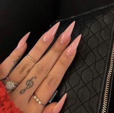 40 Stiletto Nails That Inspire Acrylic Nails Stiletto, Pointy Nails, Best Acrylic Nails, Simple Stiletto Nails, Gel Nails, Claw Nails, Stiletto Nail Designs, Basic Nails, Coffin Nails