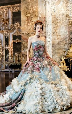 Fairytale Ball gown. Isn't it a shame we don't have events to wear such stunning dress's too, without it being fancy dress!