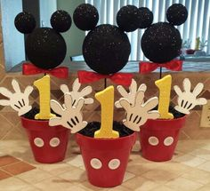 Mickey Mouse Party Ideas – Mickey's Clubhouse – Pretty My Party DIY Mickey Mouse Party Centerpieces Theme Mickey, Fiesta Mickey Mouse, Mickey Mouse 1st Birthday, Mickey Mouse Parties, 2nd Birthday, Birthday Ideas, Birthday Table, Mickey Mouse Pinata, Disney Parties