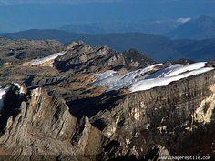 Carstensz Pyramid (Barisan Sudirman Jayawijaya Mountains), Papua, Indonesia