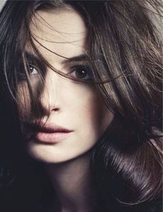 Anne Hathaway's natural make up