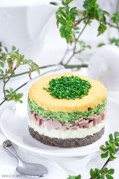 Warstwowa sałatka wielkanocna Fruit Recipes, Easter Recipes, Salad Recipes, Cake Sandwich, Cute Food, Good Food, Salad Cake, Vegetarian Recipes, Cooking Recipes