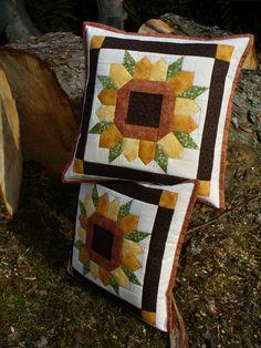 slunečnice - fotoalba ulivatelu - D? Patchwork Cushion, Patchwork Patterns, Quilted Pillow, Quilt Patterns Free, Barn Quilt Designs, Quilting Designs, Bed Cover Design, Sunflower Quilts, Diy Pillow Covers