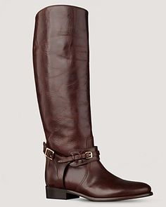 Burberry riding boots!! I'M IN LOVE!! My dad so needs to bring these back for me next time he goes to England!!!!