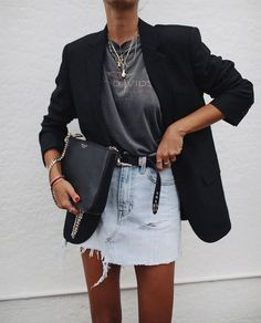 Spring outfit inspiration - black blazer, vintage T-shirt, denim skirt and layered gold necklaces Street Style Edgy, Cool Street Fashion, Look Fashion, Fashion Blogger Style, Feminine Fashion, Fashion Fall, Womens Fashion, Trendy Fashion, Mode Outfits