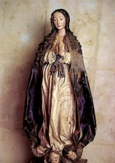 A baroque statue of Mary as the Immaculate Conception in the Museo del Convento de San Esteban in Salamanca, Spain.