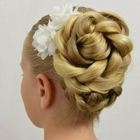 Tons of pretty hairstyles for little girls!