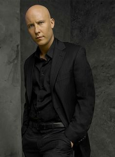 michael rosenbaum... NO HAIR LOVE IT :P