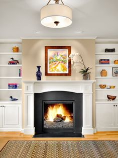 Interesting Traditional Family Room Design Interior Decorated with White Fireplace Mantel Designs Ideas Fireplace Bookshelves, Family Room Fireplace, Fireplace Built Ins, White Fireplace, Faux Fireplace, Fireplace Remodel, Fireplace Surrounds, Fireplace Design, Simple Fireplace