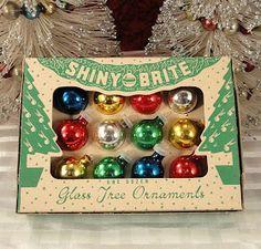 C. Dianne Zweig - Kitsch 'n Stuff: Have A Merry Merry Vintage Christmas