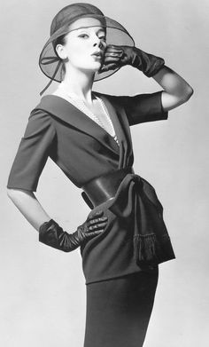 """Model in navy wool two-piece dress cinched with a wide leather belt ,the afternoon dress is called """"Jasmine"""" designed by Jules-François Crahay for Nina Ricci, Spring Photo Louis Astre Vintage Vogue, Vintage Glamour, Vintage Beauty, Vintage Hats, Fifties Fashion, Retro Fashion, Vintage Fashion, London Fashion, Girl Fashion"""