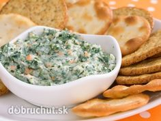 The South Beach Diet provides a delicious and healthy recipe for Spinach and Artichoke Dip, which makes an easy and guilt-free appetizer or side dish. Spinach Cheese Dip, Baked Spinach Artichoke Dip, Creamy Spinach, Chopped Spinach, Spinach Bake, Healthy Snacks, Healthy Eating, Appetizer Recipes, Healthy Recipes