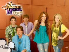 Hannah Montana is an American character who is the heroine of the American television series which carries her name. This series debuted on the Disney Hannah Montana Outfits, Hannah Montana Forever, Miley Cyrus, Disney Channel Shows, Disney Shows, Miley Stewart, Billy Ray Cyrus, Nostalgia, Emily Osment