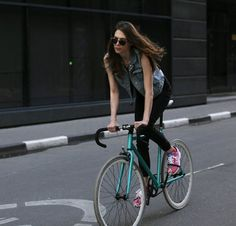 images Alena Chendler. Launched in summer of 2012 the Moscow-based fashion photographer captures the city's fashionable women on eye-catching vintage-style bikes.