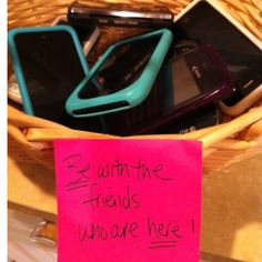 putting friends phones in a basket before the slumber party starts.not a bad idea for slumber parties and sleepovers. (if i had a girl, this would be a great idea) Pyjamas Party, Do It Yourself Inspiration, Festa Party, Slumber Parties, Dinner Parties, Garden Parties, Slumber Party Ideas, Kid Parties, Sweet 16 Parties