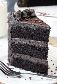 Best Chocolate Cake - incredibly moist and chocolatey! #desserts #dessertrecipes #yummy #delicious #food #sweet