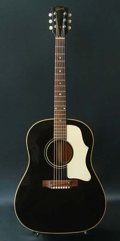 Gibson J-45 BLK (1968) : Black Beauty!
