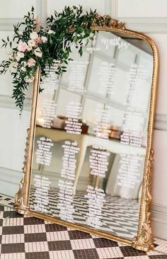 57 Insanely Creative Escort Cards And Seating Displays 1 - Fab Mood Diy Wedding Favors, Wedding Themes, Wedding Signs, Wedding Cards, Wedding Colours, Wedding Decorations, Wedding Souvenir, Decor Wedding, Wedding Photos