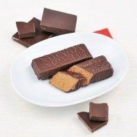 Tyčinka s príchuťou čokolády - Ketoaktiv Candy, Chocolate, Desserts, Food, Tailgate Desserts, Deserts, Essen, Chocolates, Postres