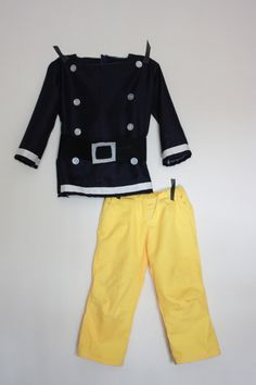 Fireman Sam Costume, it is impossible to find the size I need for a grandson in stock