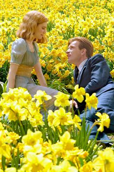 They say when you meet the love of your life time stops and that s true What they don t tell you is that when it starts again it moves extra fast to catch up Ewan McGregor Alison Lohman as Ed Sandra Bloom Big Fish 2003 Big Fish Film, Big Fish Movie, Old Dress, Alison Lohman, Estilo Tim Burton, Films Cinema, Ewan Mcgregor, Film Aesthetic, Film Serie