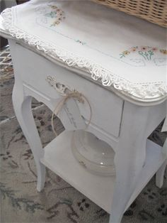 Shop Cabin & Cottage at Cielo Heavenly Home Decor 2325 San Pedro NE in Albuquerque! Junk Chic Cottage, Cottage Signs, Cottage Style, French Country Cottage, French Country Decorating, Cottage Farmhouse, Modern Farmhouse, Vintage Porch, Welsh Dresser