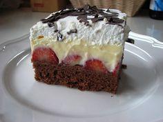 Luxusné ovocné rezy s kyslou smotanou: Robím ho vž - Torta Sandwich Ideas Czech Desserts, Romanian Desserts, Sweets Cake, Cupcake Cakes, Dessert Drinks, Dessert Recipes, Plum Cake, Best Cheese, Mini Cheesecakes