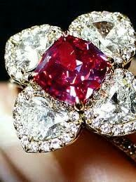 Beautiful Diamond and Ruby ring Flower design. Diamond clear. SLVH ♥♥♥♥
