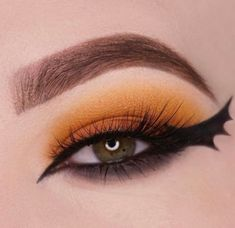 doll face painting Ladies Will You Try The Bat Eyes Makeup Which Is Becoming A Trend?, See More Pic - Fashion - Nigeria Bat Makeup, Halloween Eye Makeup, Halloween Eyes, Halloween Looks, Crazy Makeup, Costume Makeup, Makeup Art, Makeup Looks, Makeup Eyes
