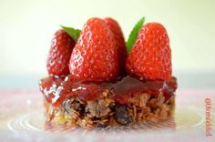 "Tartelettes Bretonnes aux Fraises"" : crêpes dentelles, palets bretons et fraises de Plougastel Palet Breton, Galette, Strawberry, Pie, Fruit, Desserts, Brittany, Food, Strawberries"