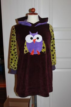 Childrendress with owl