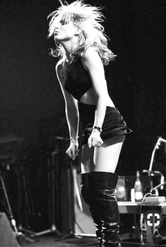 30 Hottest Photographs of Debbie Harry on Stage From the Mid-1970s ~ vintage everyday