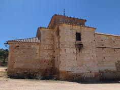 El Viso del Marqués- Ermita de San andrés. Esta se encuentra en plena Sierra Morena. Hay quien dice que se construyo sobre un antiguo enclave templario. Otros la relacionan con la Orden de Calatrava