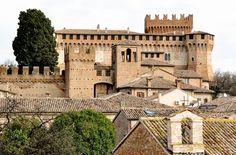 Gradara - La Rocca che ha fatto da sfondo al tragico amore tra Paolo e Francesca