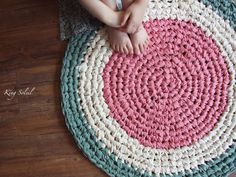 Crochet Rug Upcycle Pattern and Tutorial – King Soleil