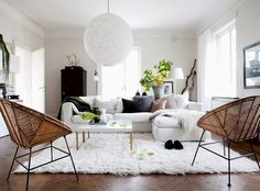 love the thick fluffy rug against that wooden floor. Photo: Daniella Witte  daniellawitte.blogspot.co.uk/ | Living Spaces I Like