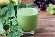 "Favorite Green Smoothie Recipe - the best green smoothies don't taste ""green"" at all! 1 cup orange juice 1 very large handful baby spinach leaves 1 cup green grapes, frozen 1 medium banana, frozen Grape Smoothie, Best Green Smoothie, Healthy Green Smoothies, Good Smoothies, Juice Smoothie, Breakfast Smoothies, Smoothie Drinks, Healthy Drinks, Smoothie Cleanse"
