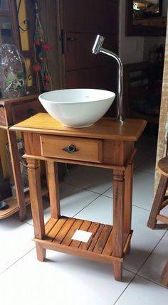 Móveis Rústicos em madeira maciça de demolição Celeiro Mineiro Small Sink, Small Bathroom, Home Design Decor, House Design, Interior Design, Lavabo Vintage, Sweet Home Alabama, Round House, Shabby Vintage