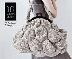 Crochet  purse  Mi sono appena innamorata di questa borsa :) pinnata da Clara Montagut