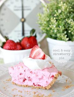 Love Of Family & Home: Cool & Easy Strawberry Pie with Homemade Graham Cracker Crust
