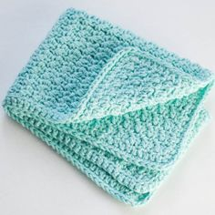 Crochet kitchen towels using a modified linen stitch and cotton yarn. Results in a durable and beautiful towel!