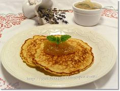 Citromos amerikai palacsinta zabpehellyel. Crepes, Hummus, Pancakes, Deserts, Breakfast, Ethnic Recipes, Sweet, Food, Morning Coffee